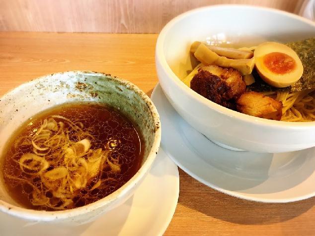 クオリティ高!つけ汁を飲み干したい、麺や真玄の「冷し細つけ麺」