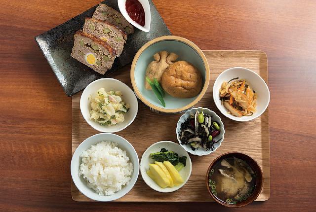 お惣菜×ランチ×お酒♪デリカフェ「K'sキッチン」魚沼にオープン