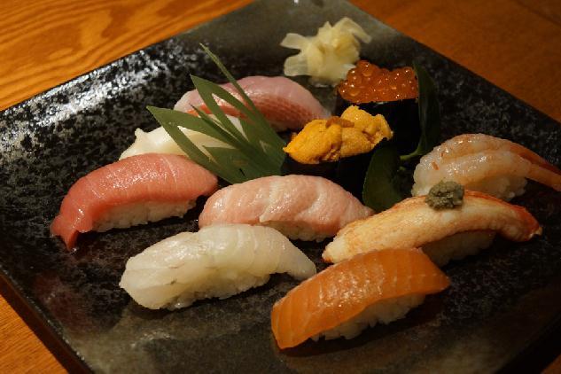 5,000円で高級寿司が飲み食べ放題プラン(女子会限定)