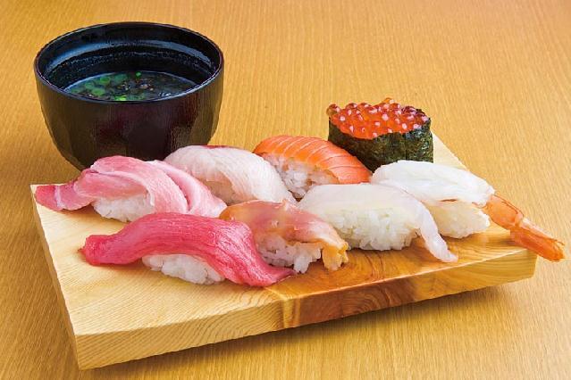 平日20食限定のお得ランチも♪「回転寿司 鼓響」燕三条にオープン