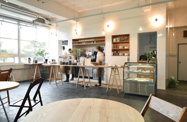 THE COFFEE TABLE Laboratory & Cafe 店内