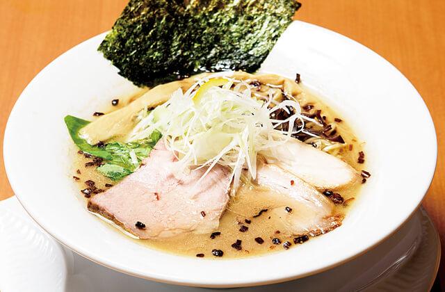 鶏豚魚介らーめん 麺屋あしたの醤油白湯麺