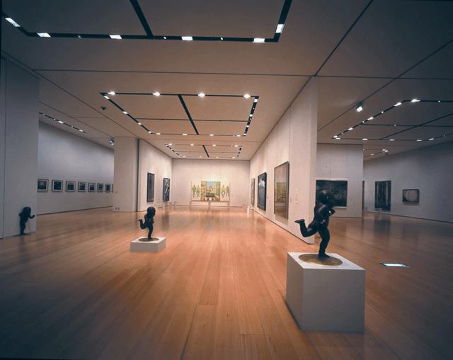 新潟県立万代島美術館展示室