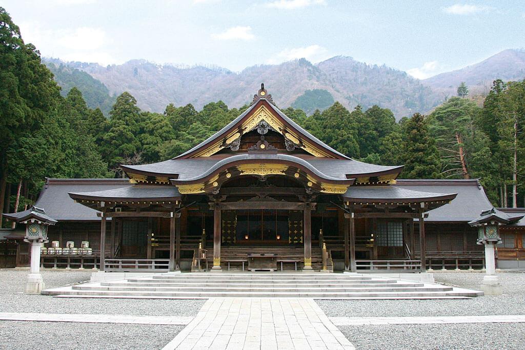 彌彦神社ー本殿