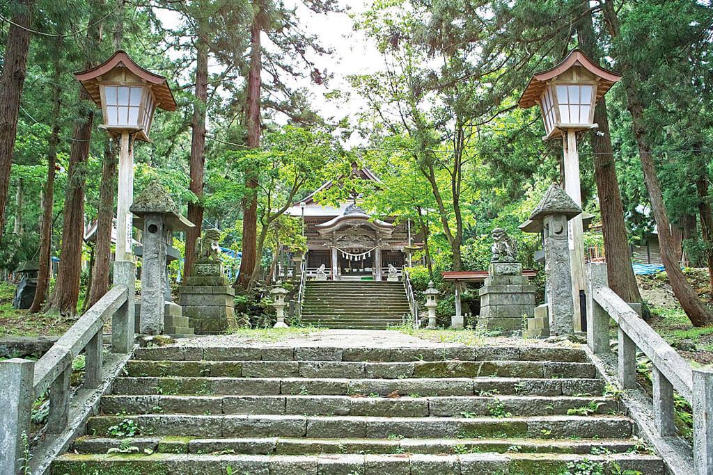 関山神社-本殿