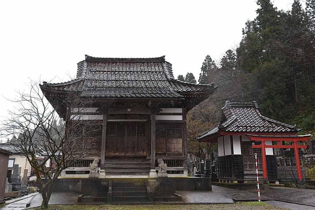 長寿山 本量寺