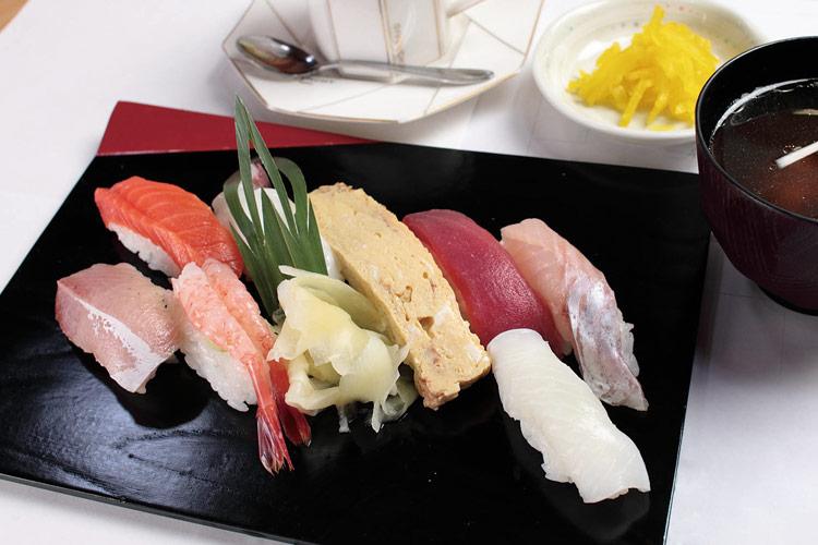 江戸前寿司 新亀寿司