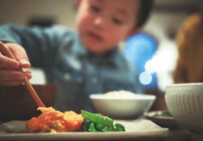 marilou(マリールゥ)のおかずを親とシェアして食べる未就学児用のごはんセット300円も用意。
