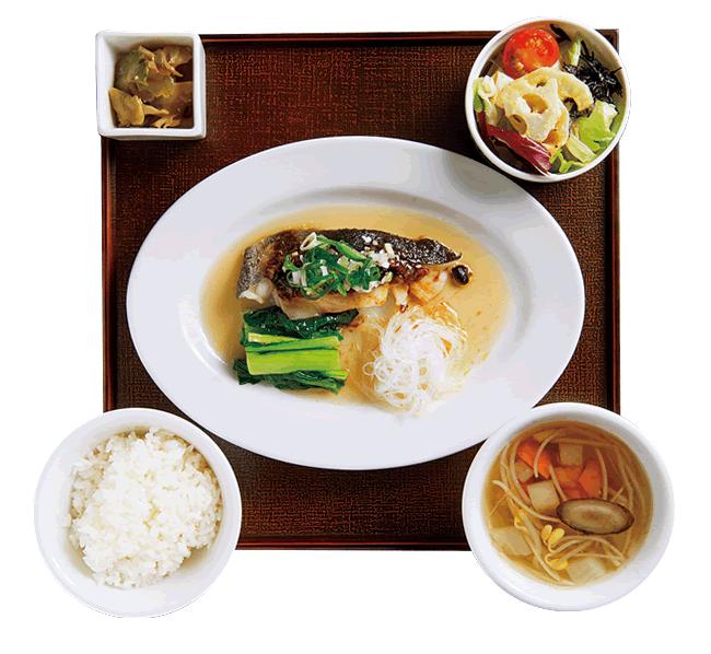 広東(カントン)の魚ランチ(白身魚のトウチ蒸し) 1,200円