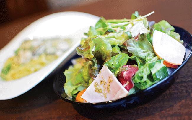 La Fattoria(ラファットリア)のランチメニューに含まれるサラダ