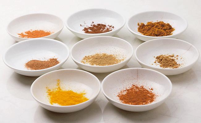 大衆焼肉V 本店の多種の香辛料を自家配合。