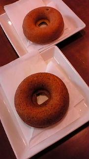 焼きドーナツ100円。