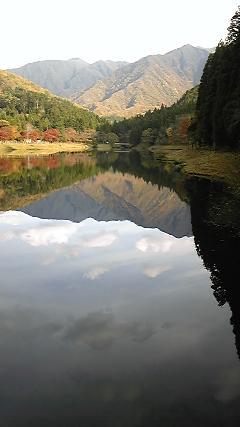 紅葉〓加茂川の水源地