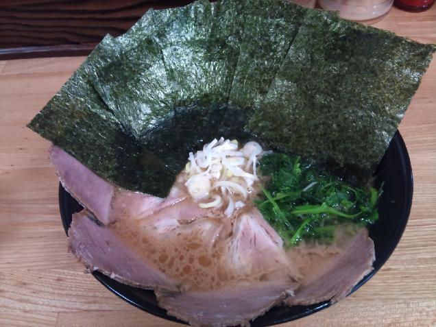 のりの多さにビックリ!のりチャーシュー麺