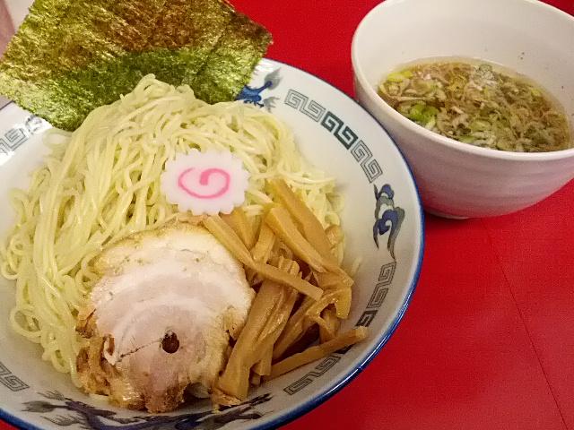 極細麺に酸味の効いたつけ汁!