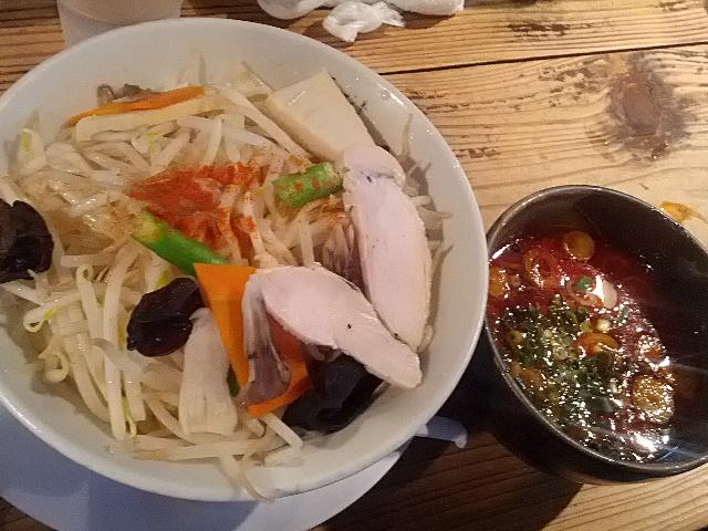 期間限定つけ麺は秋味でピリ辛でうまかった!