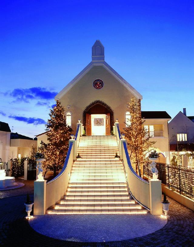 光り輝くチャペルでクリスマスを満喫