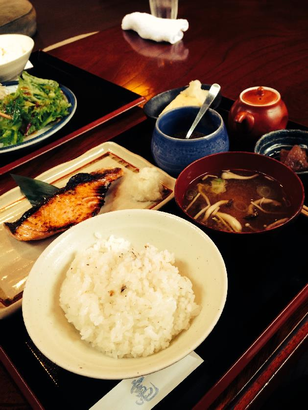 キングサーモンの糀焼き定食
