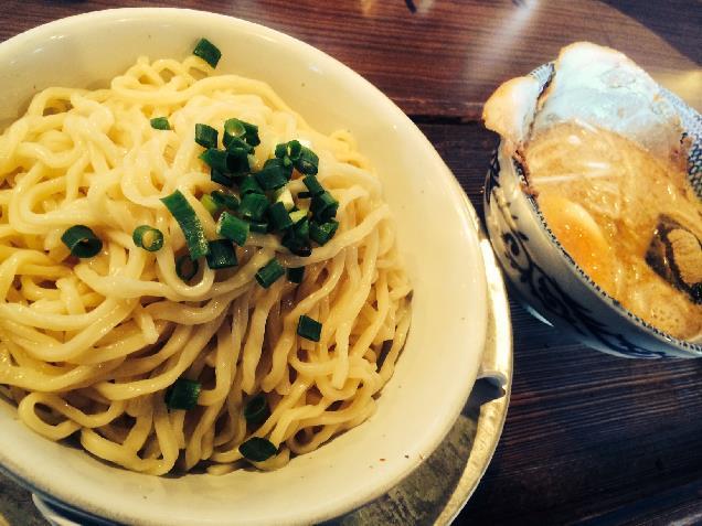 にぼしの香りあふれるつけ麺