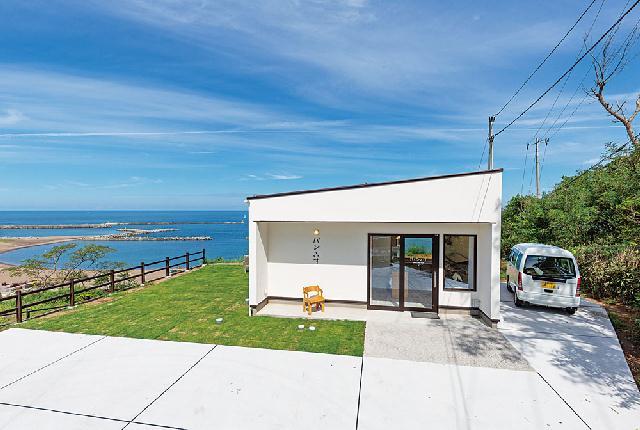 海を見下ろす絶景ベーカリー「パンといす」が柏崎にオープン!のメイン画像