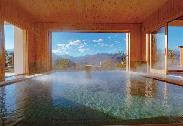 大自然の中の絶景パノラマ温泉棟オープン!「シェラリゾート湯沢」