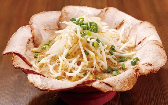 花びらチャーシューとG麺の「万人家」が長岡にオープン!