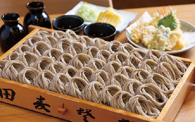 自家栽培の玄そばや野菜の天ぷら「繁蔵 田麦そば」十日町にオープン