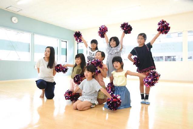 チアやK-popで楽しく!女性専用ダンススクールが誕生