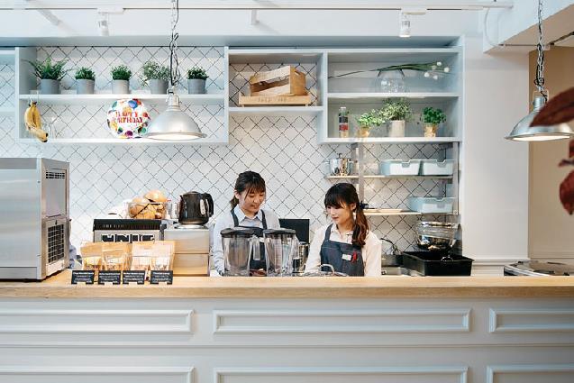 マクロビカフェと美容室がコラボ!珍しいスタイルのお店が万代に誕生