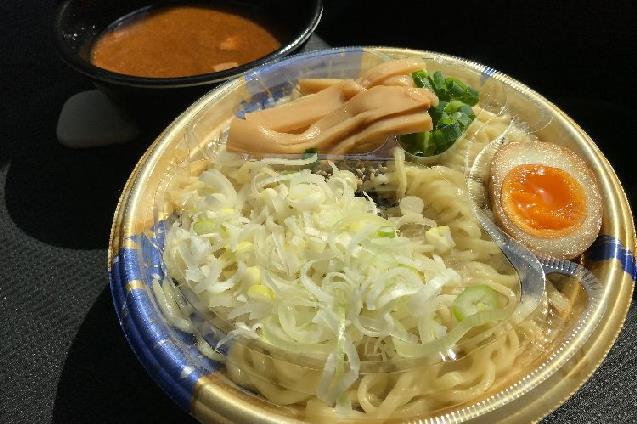 新潟市「ラーメン亭 孔明」のつけ麺をテイクアウトで