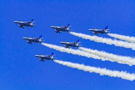 新潟開港150周年記念 ブルーインパルス展示飛行