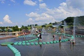 国営越後丘陵公園「水遊び広場」