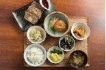 お惣菜×ランチ×お酒♪デリカフェ「K'sキッチン」魚 ...