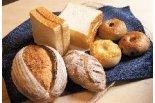 """懐かしくて新しい""""町のパン屋さん""""「野上製パン店」オ ..."""
